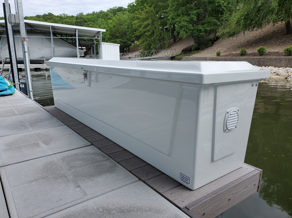 8 ft. fiberglass dock box