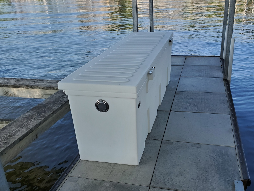 7 ft poly box