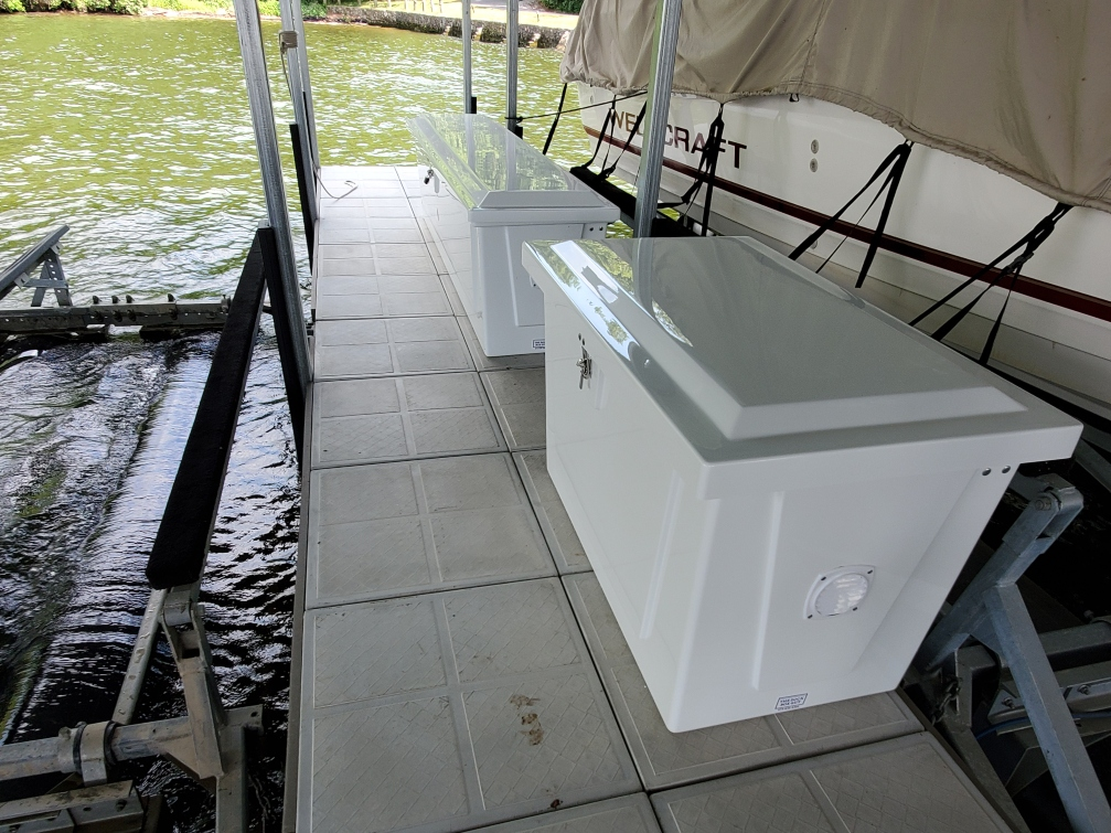 4 ft fiberglass dock box