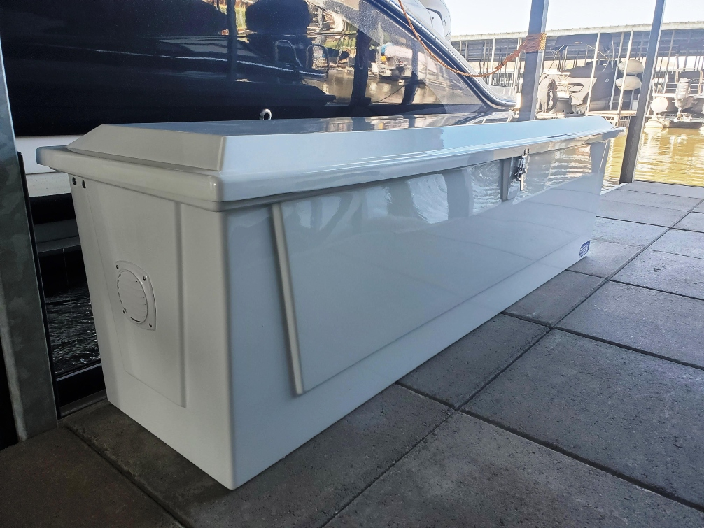 7ft fiberglass dock box