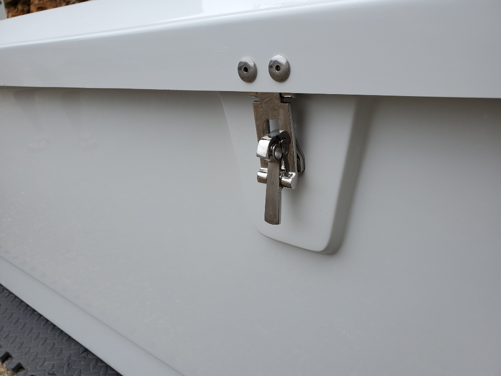 7 ft. fiberglass dock box lock
